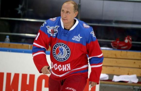 Двама българи играят хокей срещу Путин и Лукашенко