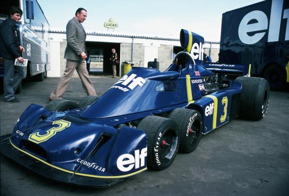 """""""От питлейна"""": Когато четирите гуми във Формула 1 не бяха достатъчни"""