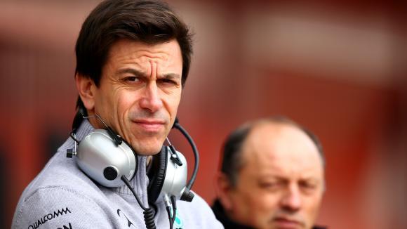 Тото Волф: Предлагаха ми да се състезавам във Ф1