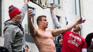 Над 1 милион души посрещнаха шампионите от Ню Инглънд Пейтриътс в Бостън (видео + галерия)