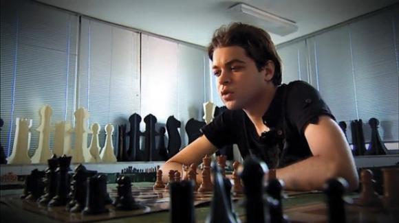 Бивш шахматист арестуван за търговия с фалшиви шофьорски книжки