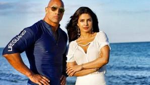 Скалата гони индийска звезда в Спасители на плажа