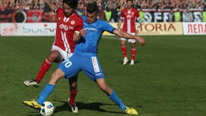 Бурса наблюдава Георги Костадинов срещу Холандия