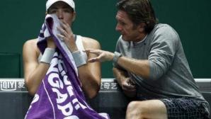 Мугуруса сипе псувни по треньора си (видео)