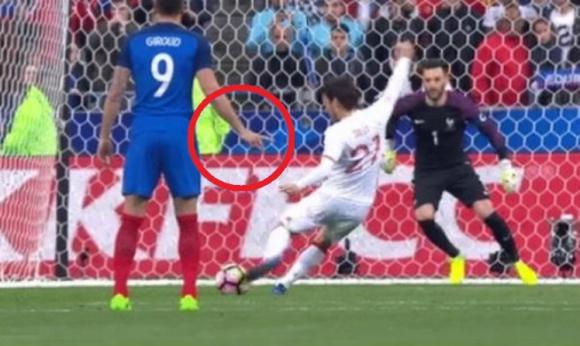Жиру знаеше в кой ъгъл ще стреля Давид Силва (видео)