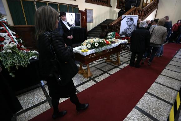България се сбогува с великия Иван Абаджиев (видео + галерия)