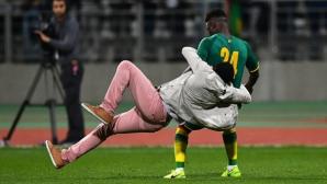 Фенове прекратиха Сенегал - Кот д'Ивоар край Париж (видео + галерия)