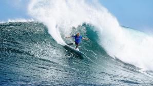 Акули прекъснаха сърф състезание в Австралия