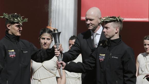 Щафетата с олимпийския огън за Игрите в Пьончан стартира на 1 ноември