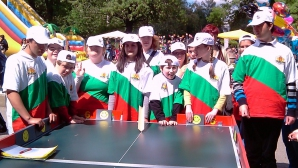 """""""Откраднаха"""" крикета на маса от 300 деца с увреждания"""