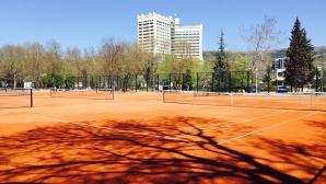 Близо 150 деца откриват новия тенис център в Албена