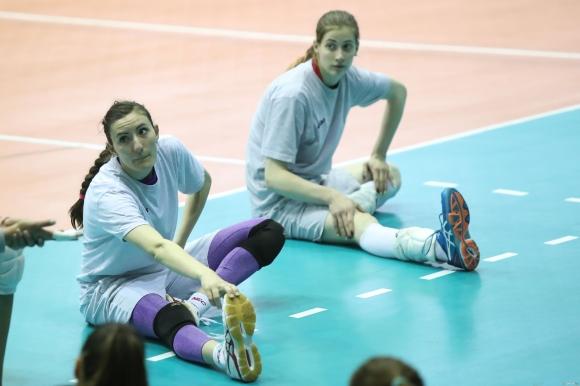 Емилия Николова: Не искам на глас да изричам мечтите на отбора