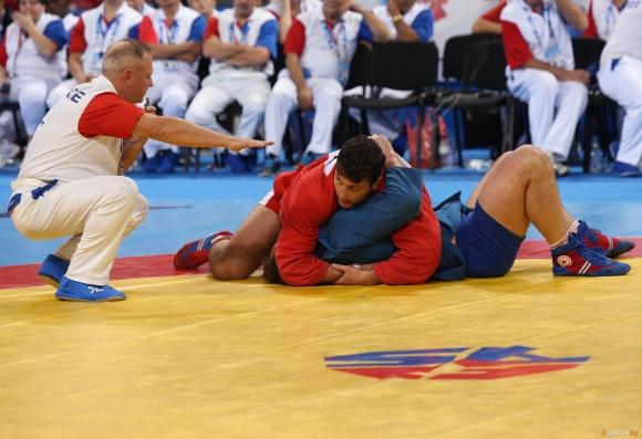 Иван Кратцев донесе шести медал на България на Европейското по самбо