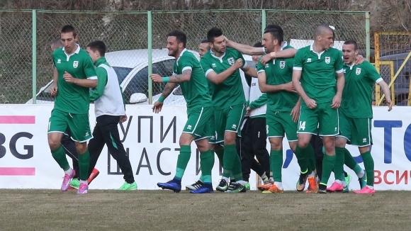 Радуканов пуска днес във ваканция футболистите на Пирин