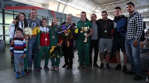 Самбистите ни се завърнаха на родна земя с шест медала от ЕП (галерия)