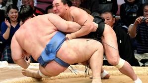 """Аоияма загуби от """"йокодзуна"""" Хакухо"""