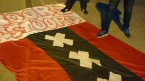 Шведски хулигани плениха знамена на Манчестър Юнайтед и Аякс
