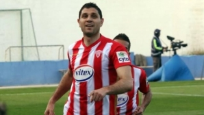 Димитър Макриев остава още една година в Кипър