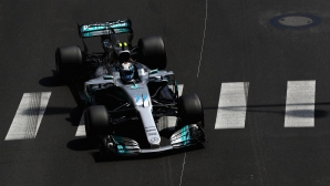 Ботас се надява преднината на Ферари да не е истинска