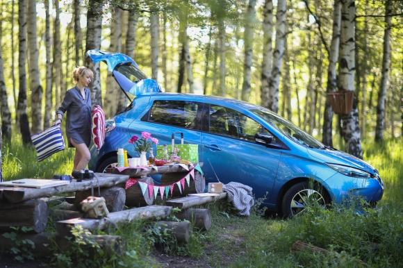 Renault Zoe представя 11 истории с едно зареждане за 24 часа