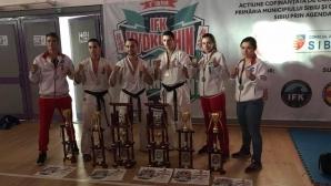 Шест медала за българските каратеки от световното по киокушин