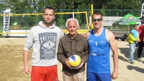 Да обичаш волейбола и на 82 години