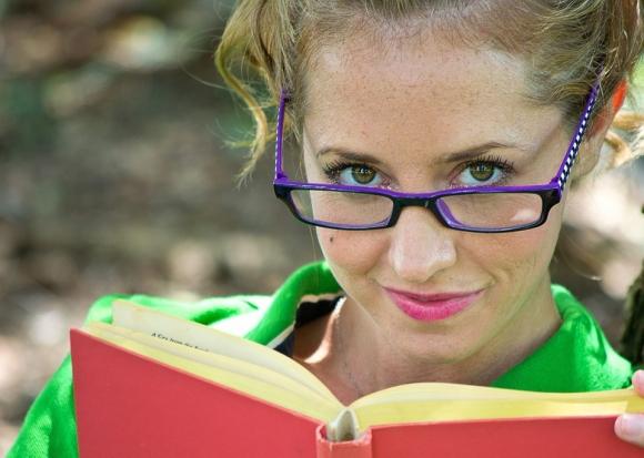 Наистина ли харесваме умните жени?
