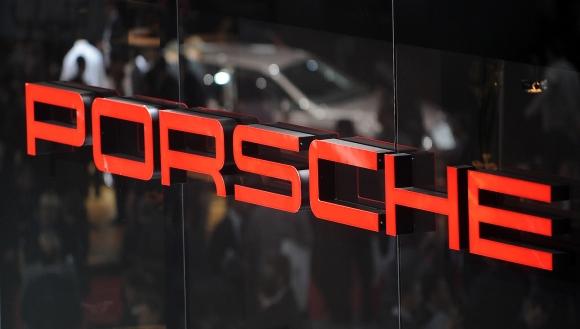 Porsche се доближава до Формула Е след среща в Монако