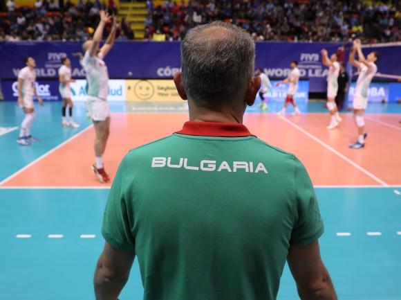 Българският национален отбор по волейбол се завръща в София във вторник вечерта