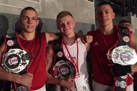 Уникално: Близнаци се класираха за финалите на европейското по бокс