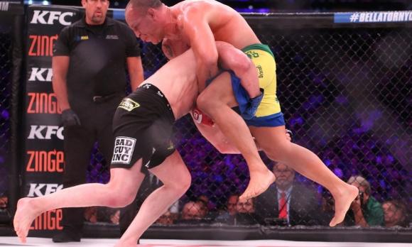 Чаел Сонен се завърна с победа над Вандерлей Силва (ВИДЕО)