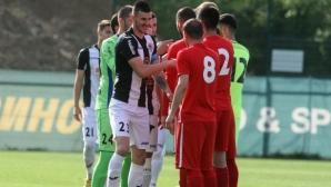Основен бранител на Локо (София) пропуска началото на сезона във Втора лига