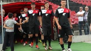 Локо (София) представя отбора в събота срещу Струмска слава