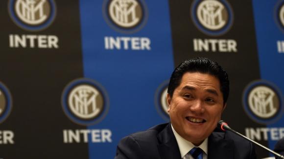 Тохир ще приключва с Интер