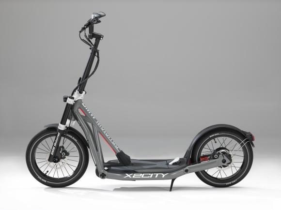 Мобилност с размах и нулеви емисии - BMW Motorrad X2City