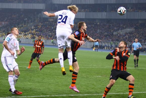 Динамо (Киев) удари Шахтьор (Донецк) в голямото дерби на Украйна