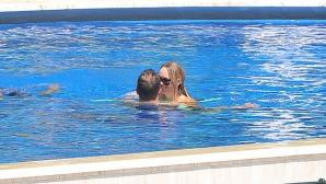 Вожняцки и Цибулкова се плацикат в басейни на райски кътчета (снимки)
