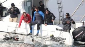 Фелпс си вдигна адреналина с близка среща с бели акули (видео)