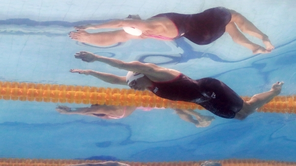 Хосу безупречна на 200 съчетано, Пийти и Шострьом с рекорди