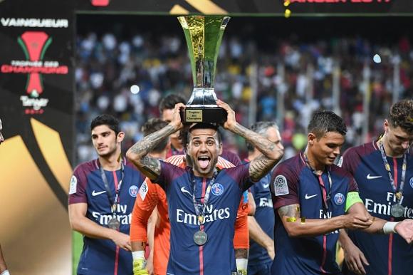 Блестящ дебют на Дани Алвеш, ПСЖ откри сезона с трофей (видео)