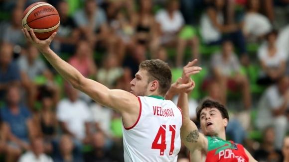 България лети напред в квалификациите (видео+галерия)