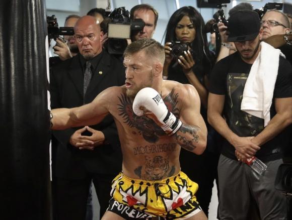 Конър Макгрегър: Ще властвам над бокса и ММА с железен юмрук (видео)