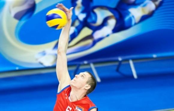 Алекса Бърджович спира за няколко месеца с волейбола