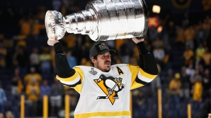 Евгений Малкин избран за най-добър руски хокеист