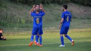 Тодор Тимонов блести с два гола за Евроколеж