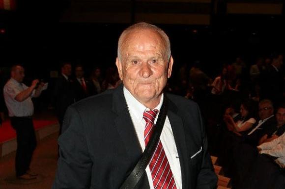 Люпко Петрович подгони титлата във Виетнам