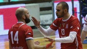 Галатасарай спря Нефтохимик във втория мач в Истанбул
