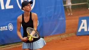 Каратанчева стартира с убедителна победа на турнир в САЩ