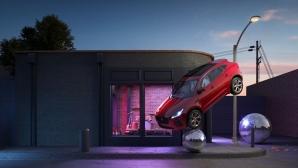 Един сюрреалистичен Jaguar E-Pace