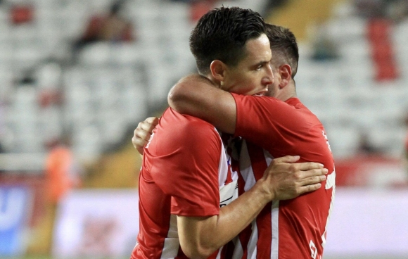 Насри и Ето'о донесоха първа победа на Анталияспор (видео)